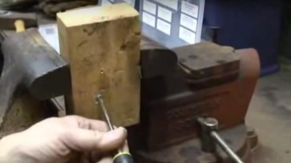 Screwgrab removes screws, nuts, and cap screws [Handyman Demo]