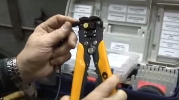 Crimper Tool with Flame Gun [Handyman Demo]