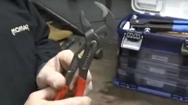Cobra Pliers [Handyman Demo]